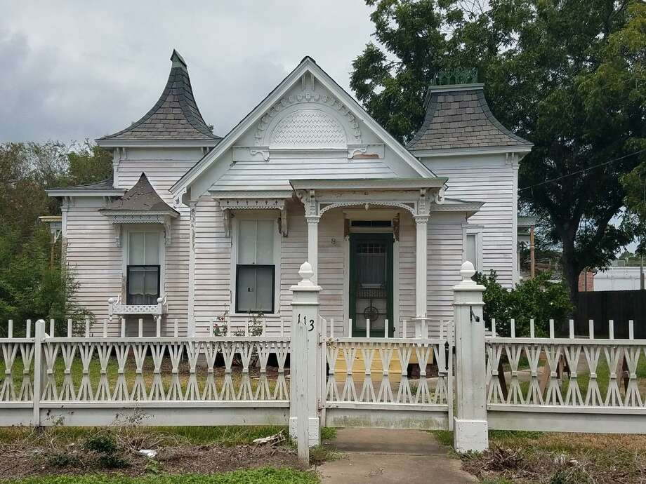A drive to raise $25,000 toward the restoration of Alvin's historic Marguerite Rogers House has drawn contributions from residents including baseball Hall of Famer Nolan Ryan and his wife Ruth.