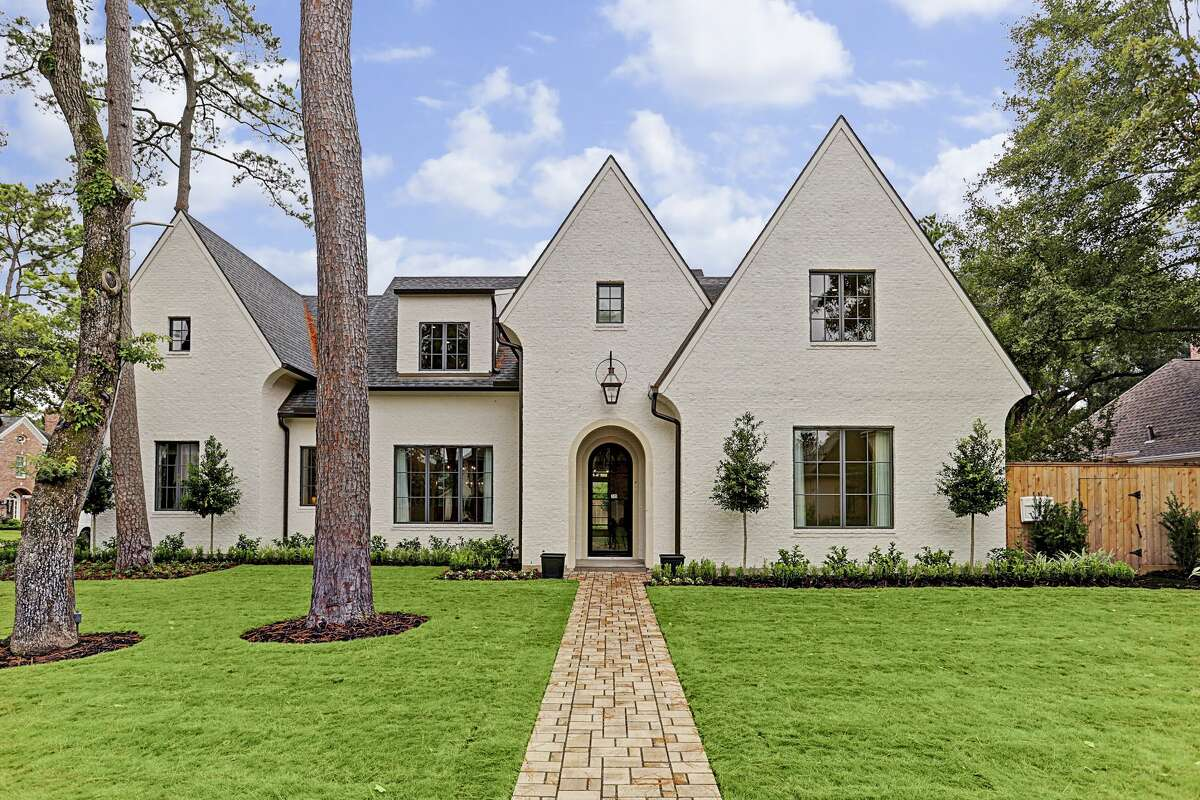 6. 209 Warrenton Drive House sold: $2.2 million - 2.5 million 6,389 square feetHeritage Texas Properties - Kimberly Whaley