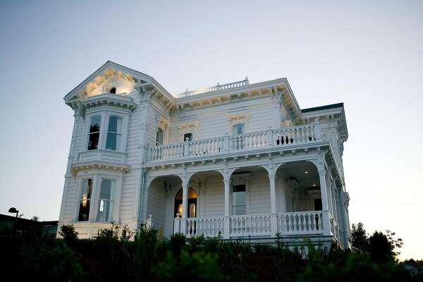 Originally built in 1877, the West Cliff Inn opened as a bed-and-breakfast in 2007 after extensive renovations.