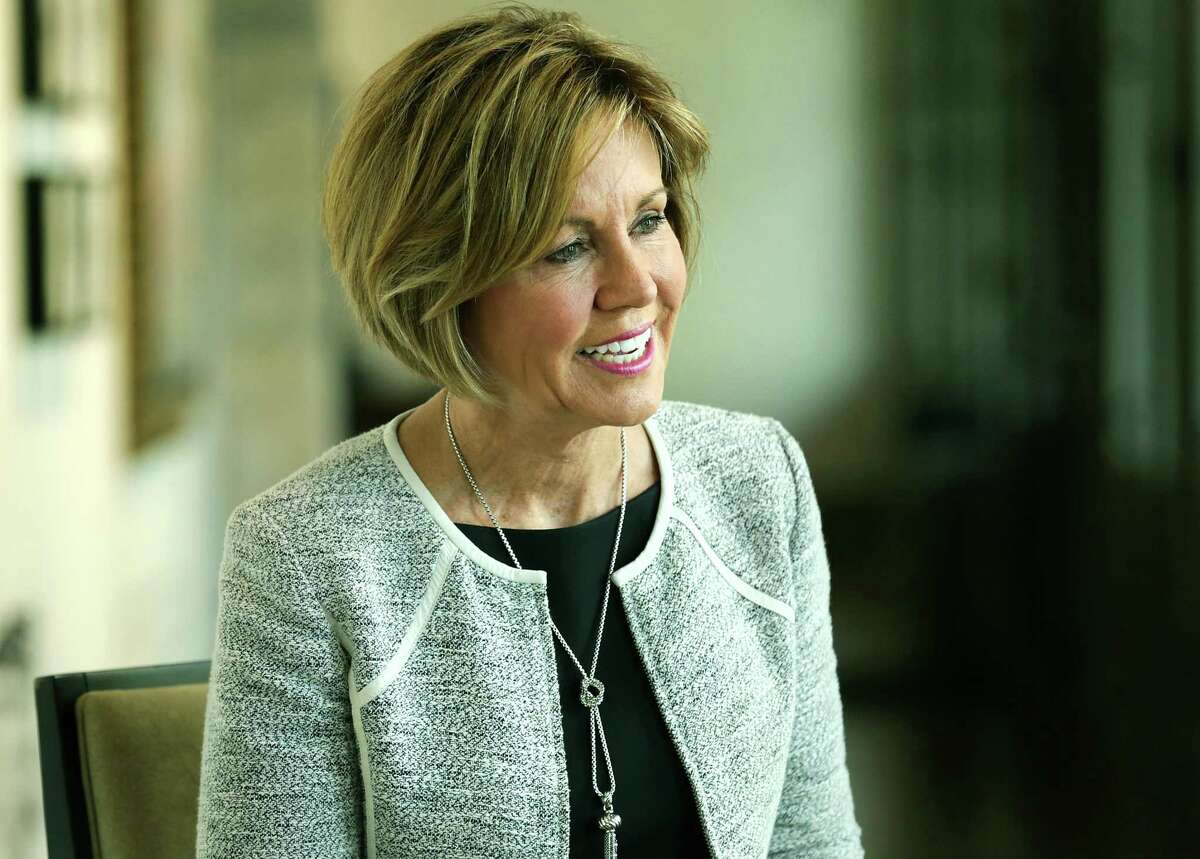 If City Manager Shery Sculley stays in her position, she could be a political football in the mayor's race.