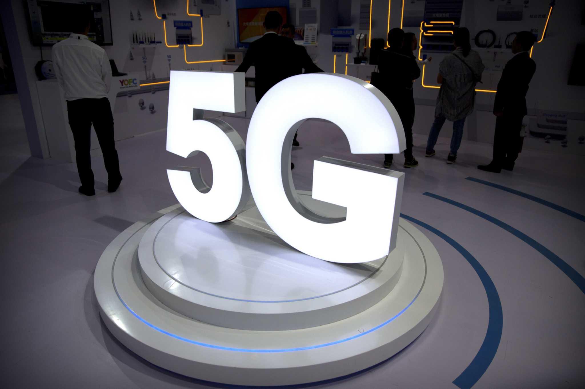Apple Belum Niat Bikin Ponsel 5G hingga 2020, Samsung Diduga Bakal Melibas