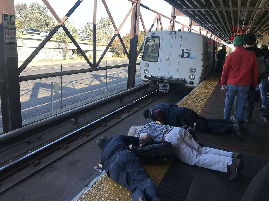 A major medical emergency Thursday morning caused delays in all directions at the MacArthur BART station, authorities said. Photo: The Chronicle