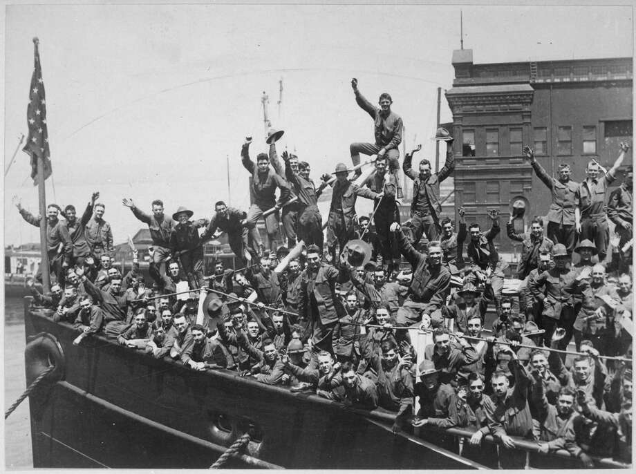 U.S. troops embarked for France during World War I. Photo: National Archives. / The Washington Post