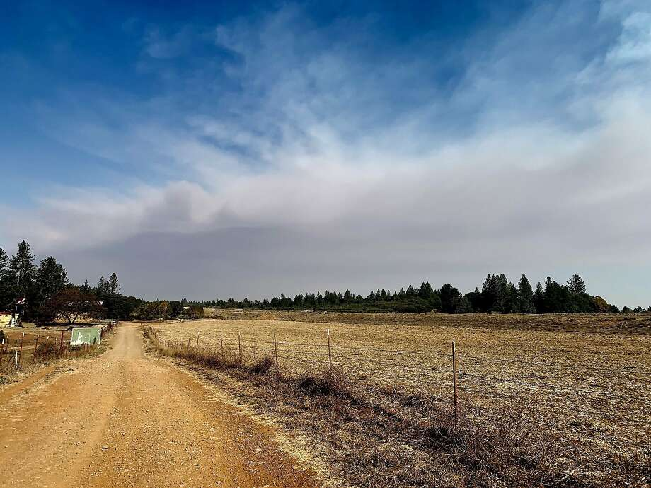 Napa County residents reported seeing smoke from the Camp Fire north of Sacramento on Nov. 8, 2018. Photo: Craig Philpott