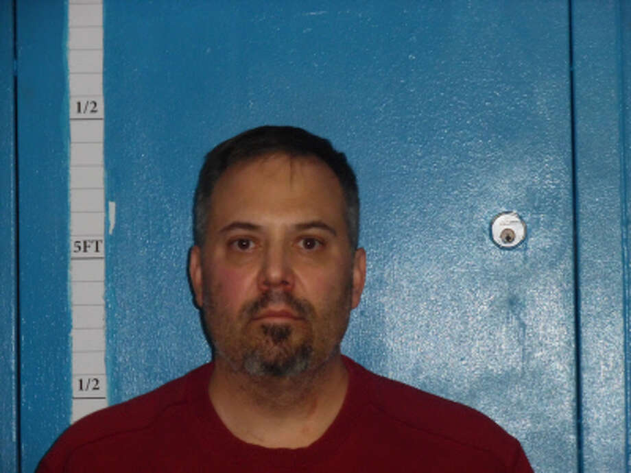 Eric Kroemeke, 44.