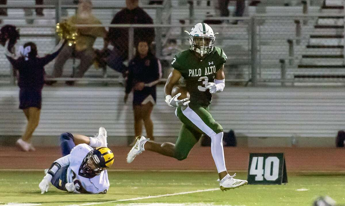 Palo Alto has a long tradition of great wide receivers. In 2018, coach Nelson Gifford's team is led by receiver Jamir Shepard (No. 3) and quarterback Jack Chryst (9).