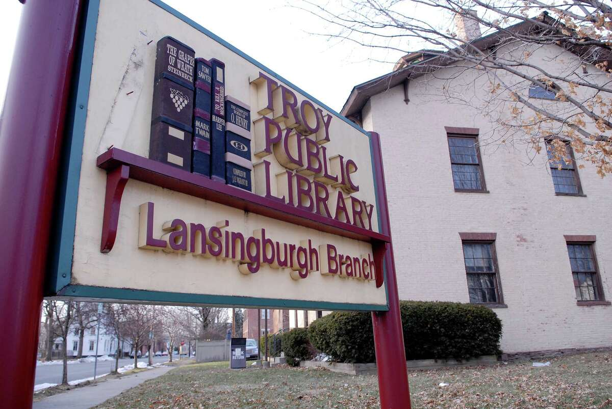 The Lansingburgh branch of the Troy Public Library at 114th Street and Fourth Avenue, seen here on Wednesday, Dec. 30, 2009, will be reopening. (Paul Buckowski / Times Union)