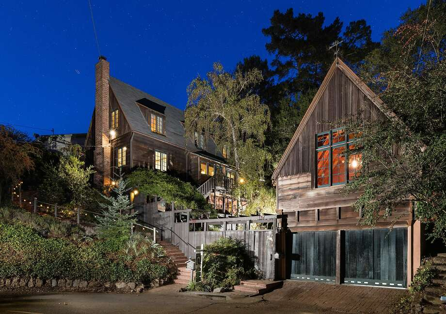 1355 and 1357 Queens Road in Berkeley features a main house famous architect Henry Gutterson designed in 1936. Photo: Peter Lyons