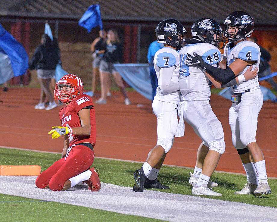 Martin was picked off three times in end zone Thursday in its loss to Harlan. Photo: Cuate Santos /Laredo Morning Times / Laredo Morning Times