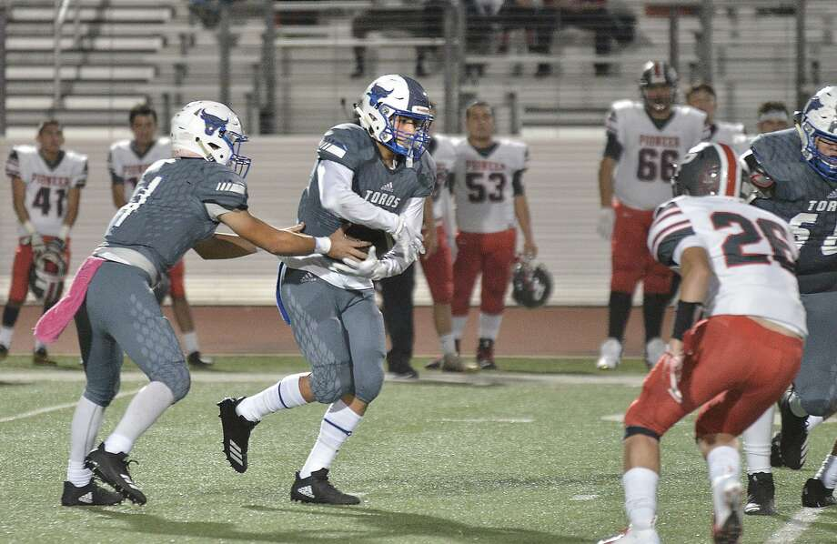 Cigarroa hosts Valley View Friday at 7:30 p.m. The Tigers were the Toros' last win back in 2017. Photo: Cuate Santos /Laredo Morning Times