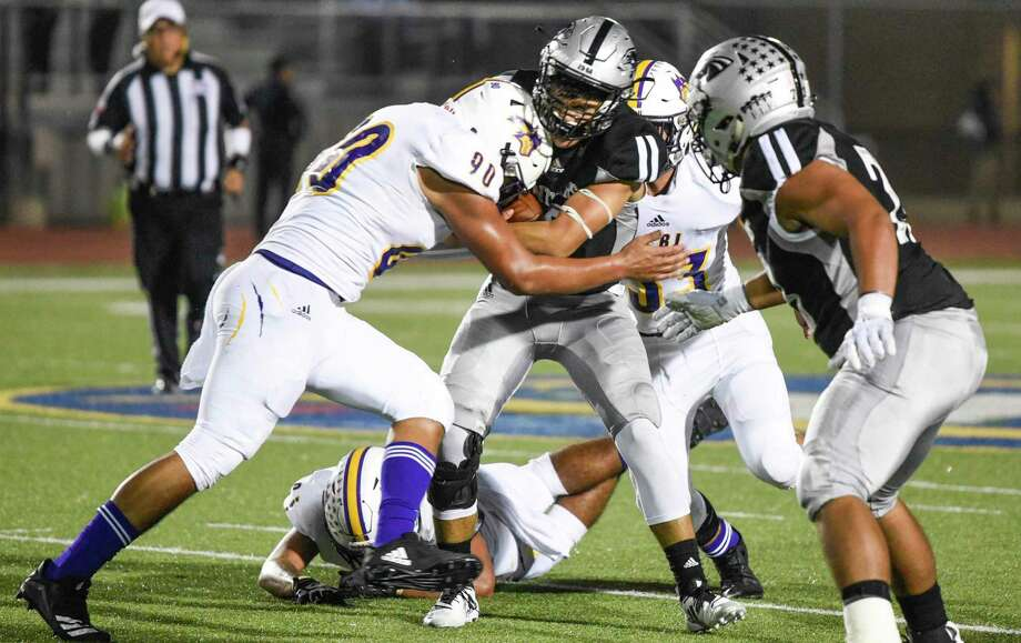 LBJ entered the fourth quarter of the regular-season finale in line to make the postseason last year, but it was outscored 26-2 in the final frame and eliminated with a 26-10 loss to United South. Photo: Danny Zaragoza /Laredo Morning Times File