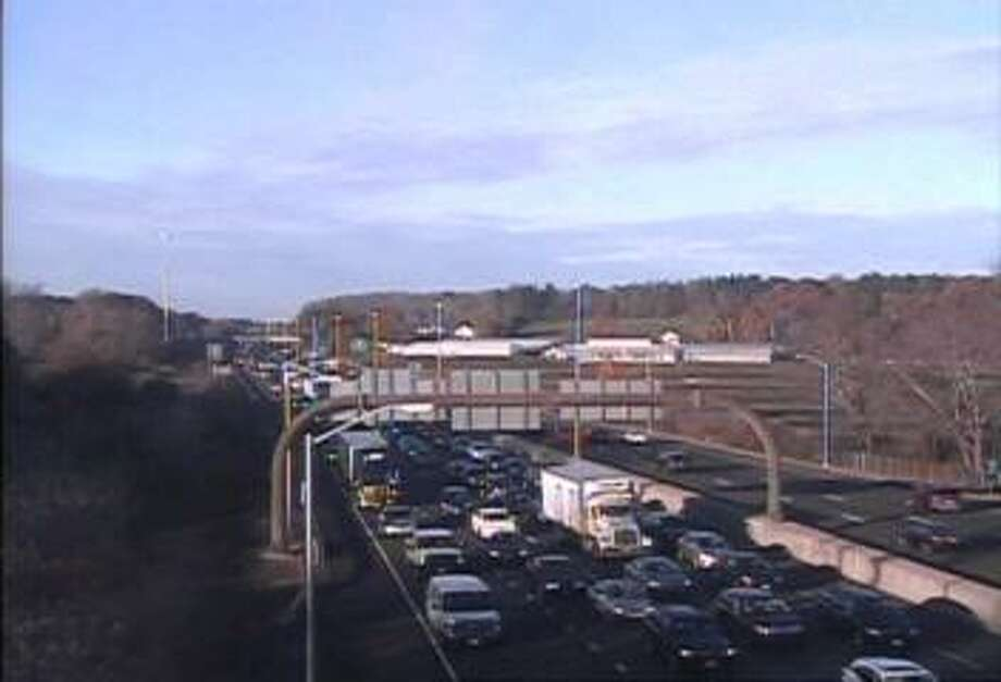 Northbound I-95 in Branford is jammed after a serious three-vehicle crash closed the highway on Friday, Nov. 9, 2018. Photo: DOT Traffic Cam Image