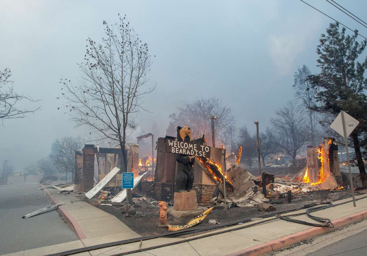 TOPSHOT - The Blackbear Diner burns as the Camp fire tears through Paradise, California on November 8, 2018. - More than 18,000 acres have been scorched in a matter of hours burning with it a hospital, a gas station and dozens of homes. (Photo by Josh Edelson / AFP) (Photo credit should read JOSH EDELSON/AFP/Getty Images)