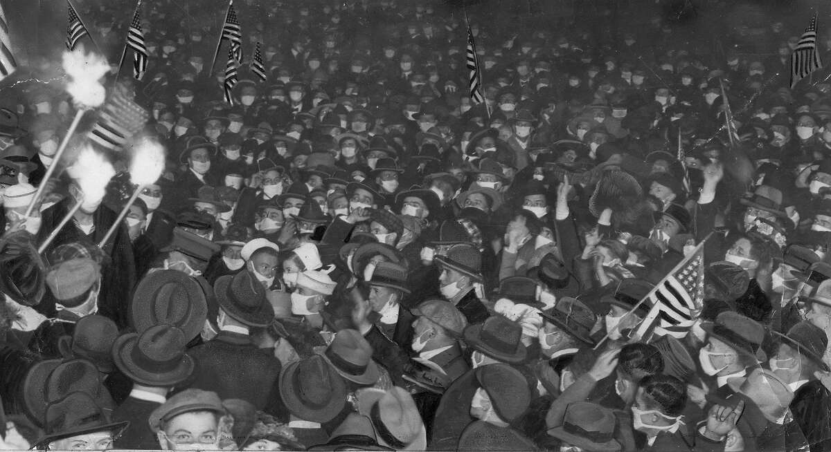 Armitice Day celebrations in San Francisco as World War I ends .. People flooded the Market street