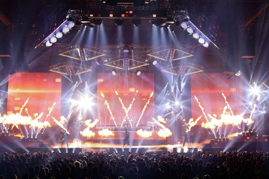 Trans-Siberian Orchestra brings 'The