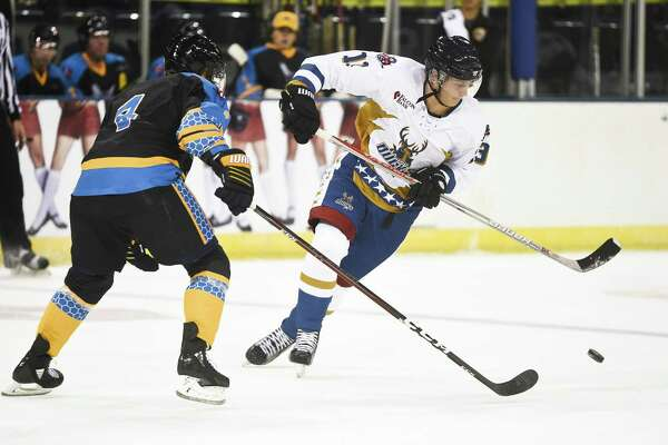 Yauheni Lavrov and the Bucks came up just short getting outscored 2-1 in the final period in a 5-4 defeat Friday against RGV as they fall to 0-2 this season.