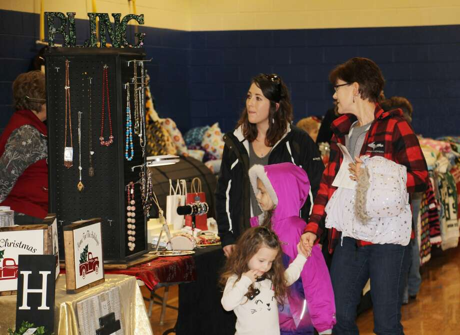 Hundreds of festive shoppers stopped by Bad Axe Middle School on Saturday for the annual Mistletoe Market, hosted by the Huron Daily Tribune. Photo: Bradley Massman/Huron Daily Tribune