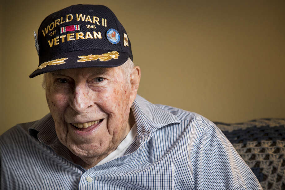 Lt. Col. Leslie Thompson, a United States Air Force veteran who served in World War II, the Korean War and the Vietnam War, poses for a portrait on Thursday, Nov. 8, 2018, in Spring. Thompson flew B-17s in Europe during the war, flying 29 bombing missions. Photo: Brett Coomer/Staff Photographer