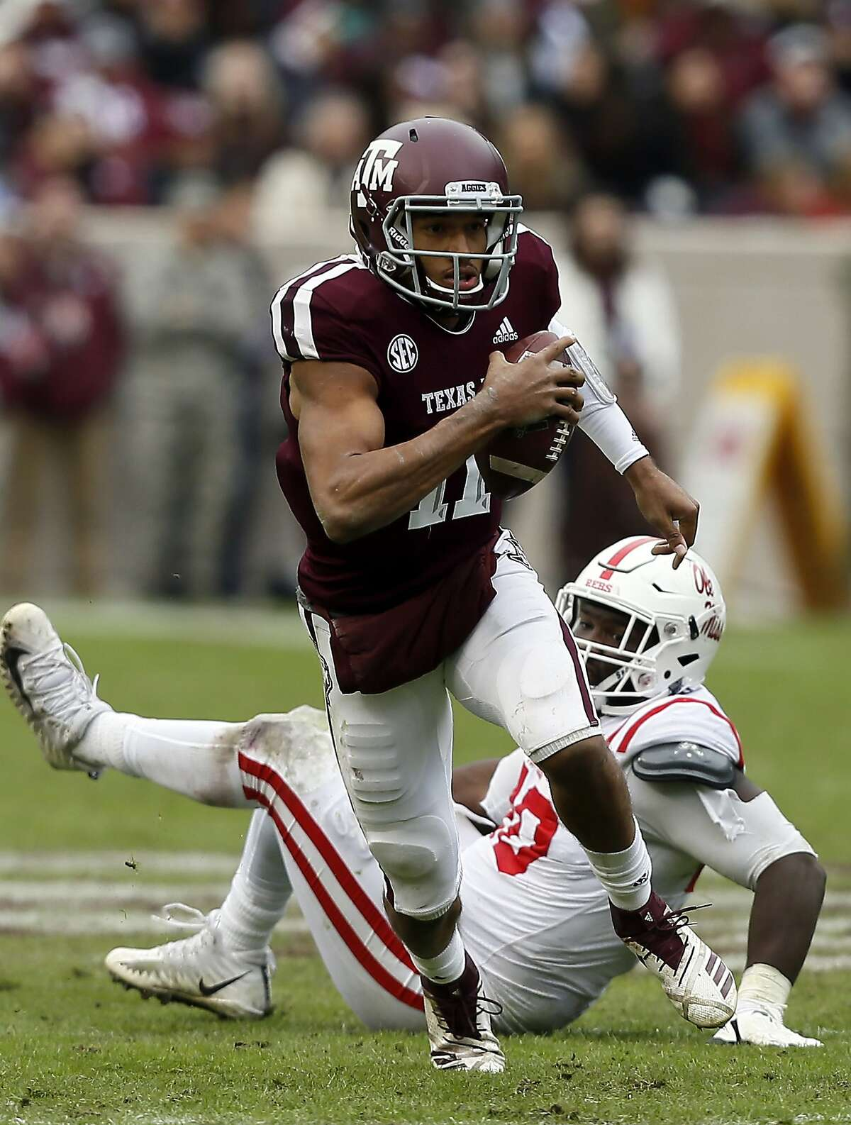 >>> Check out the over/under win totals for all of the FBS college football teams in Texas, according to several betting outlets.