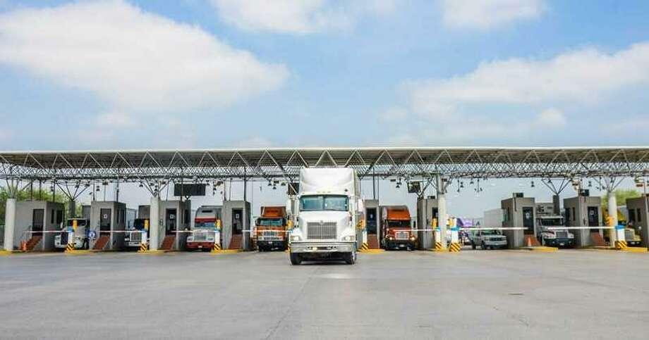 La reciente actualización de los nuevos sistemas en la Aduana de Nuevo Laredo, México, beneficiará el comercio internacional tanto en el lado mexicano como en el americano. Photo: Foto De Cortesía /AAANLD