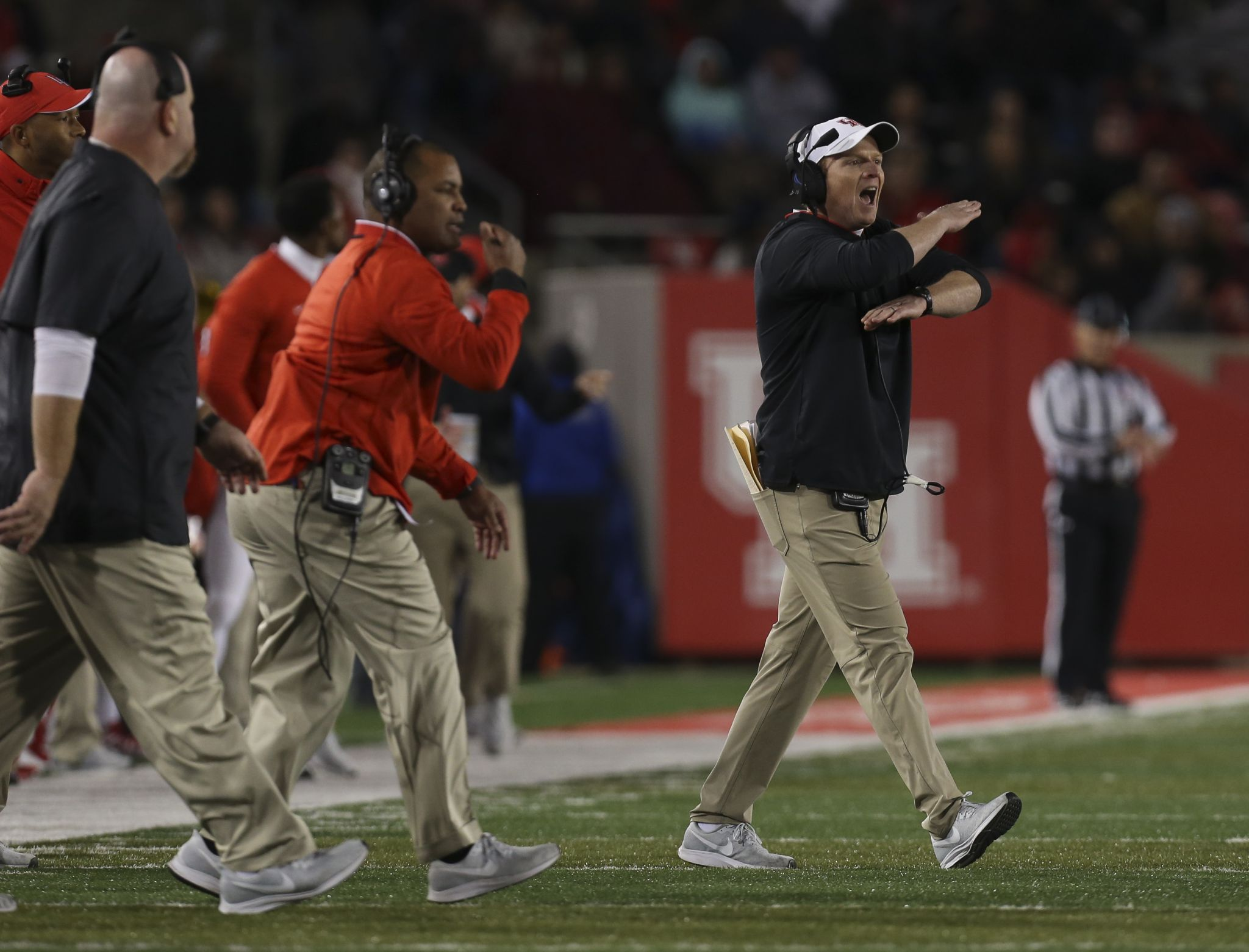 UH, Major Applewhite must find way to bolster defense
