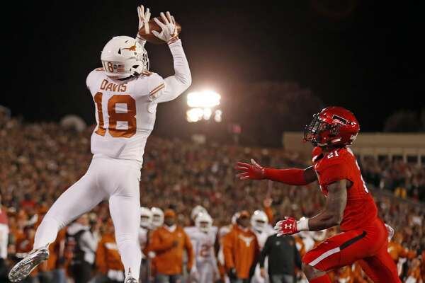 Ut Overcomes Losing 17 Point Lead To Defeat Texas Tech Houstonchronicle Com
