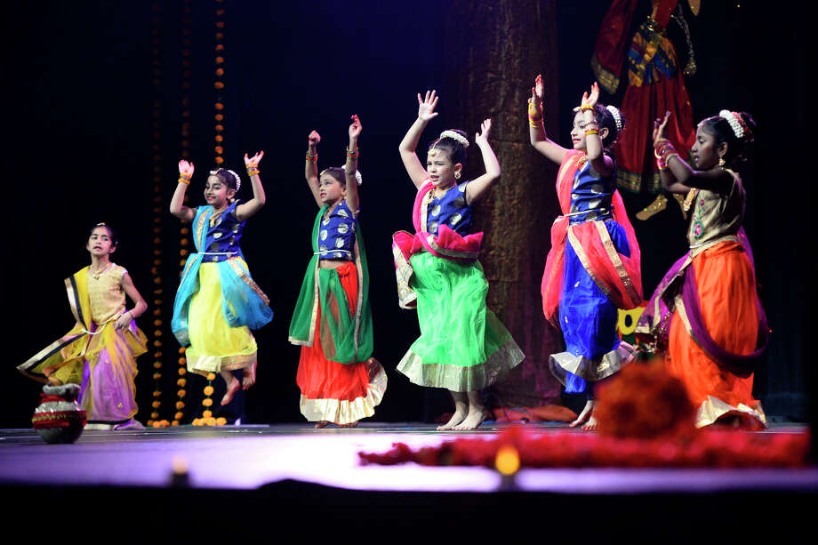 Twist Kamariya performed during the Diwali Cultural Night by the Hindu Association of West Texas Nov. 10, 2018, at Horseshoe Pavilion. James Durbin/Reporter-Telegram Photo: James Durbin / © 2018 Midland Reporter-Telegram. All Rights Reserved.