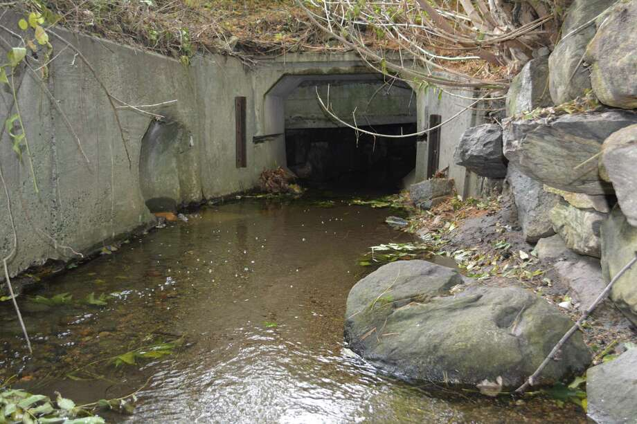 The tunnel is large enough to stand upright in near the area where the interior bulkhead doors lead to the waterway. Photo: Leslie Hutchison / Hearst Connecticut Media