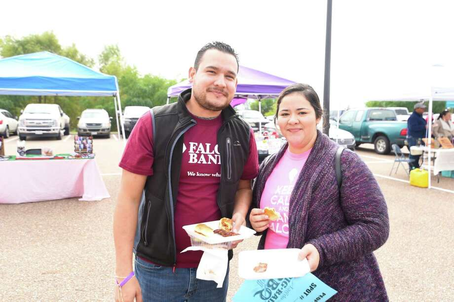BBQ lovers from Laredo and surrounding areas head out to Uni-Trade Stadium on Saturday, Nov. 10, 2018, for the Big Bad BBQ Cook-off. Photo: Danny Zaragoza, Laredo Morning Times / Laredo Morning Times