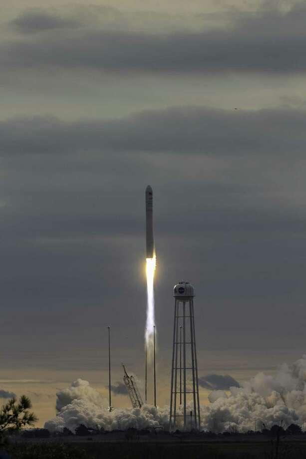 OA-8 Launch from Wallops Island, Virginia. Photo: NASA / Patrick Black