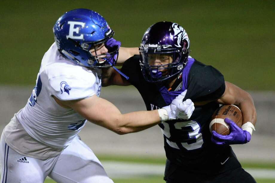 Jordan Williams (23) of Kinkaid carries the ball in the fourth quarter of the SPC Class 4A Championship football game between the Episcopal Knights and the Kinkaid Falcons on Saturday, November 10, 2018 at Delmar Stadium, Houston, TX. Photo: Craig Moseley, Houston Chronicle / Staff Photographer / ©2018 Houston Chronicle