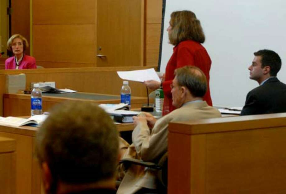 Another photo of Joan Porco, at left, during the Porco Trial Monday, July 31, 2006. Photo: Michael P. Farrell