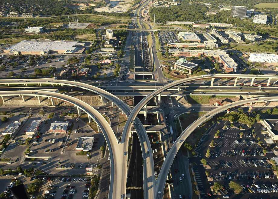 The U.S. 281 to Loop 1604 flyovers seen looking north in 2017. Unrelenting construction near the intersection will close multiple lanes starting this weekend. Photo: Billy Calzada /