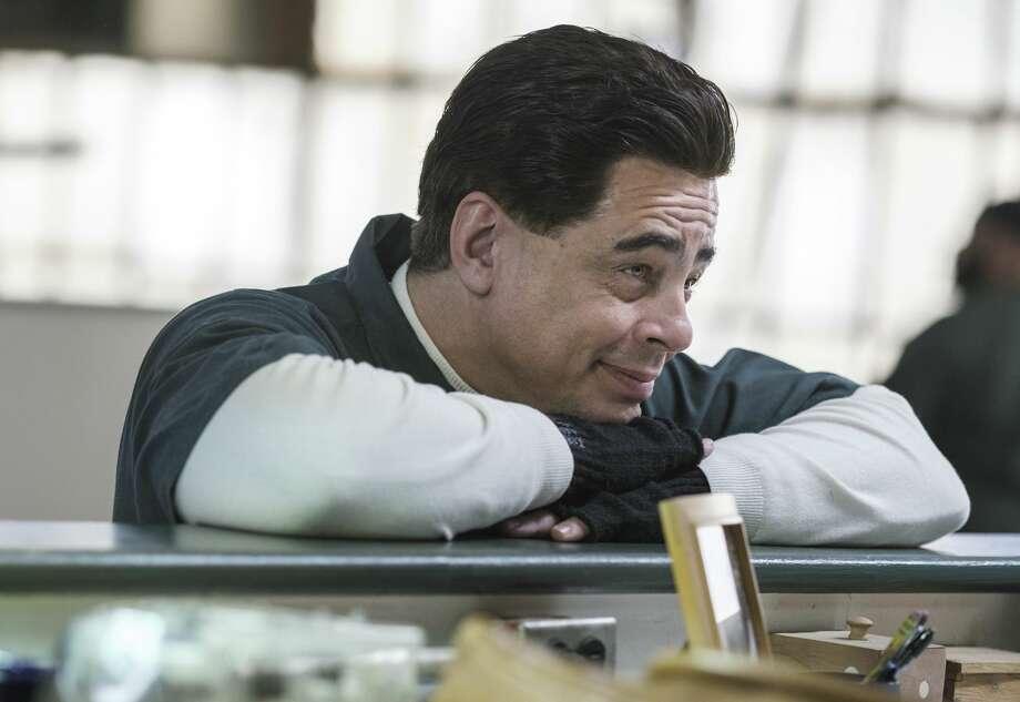"""Benicio Del Toro as Richard Matt in """"Escape at Dannemora"""" (Episode 1). Photo: Chris Saunders/SHOWTIME"""