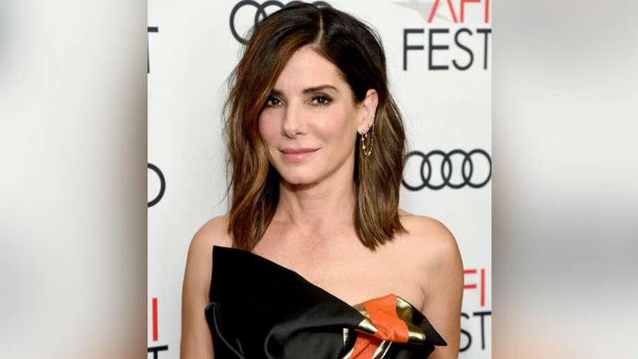 Sandra Bullock donates $100,000 to help save animals from California wildfires