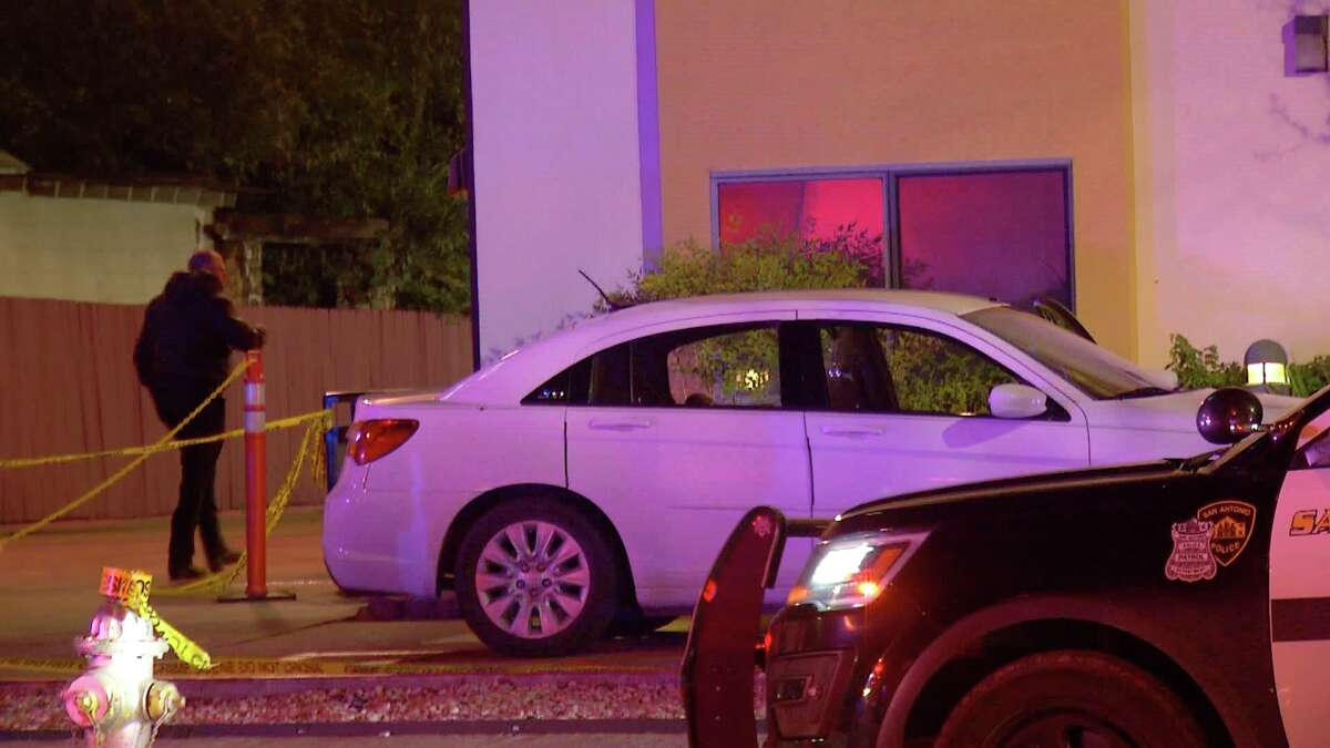 A man was shot to death in a vehicle Monday, Nov. 12, 2018, on the South Side in front of his girlfriend, who unsuccessfully tried to drive him to a hospital before he died, police said.
