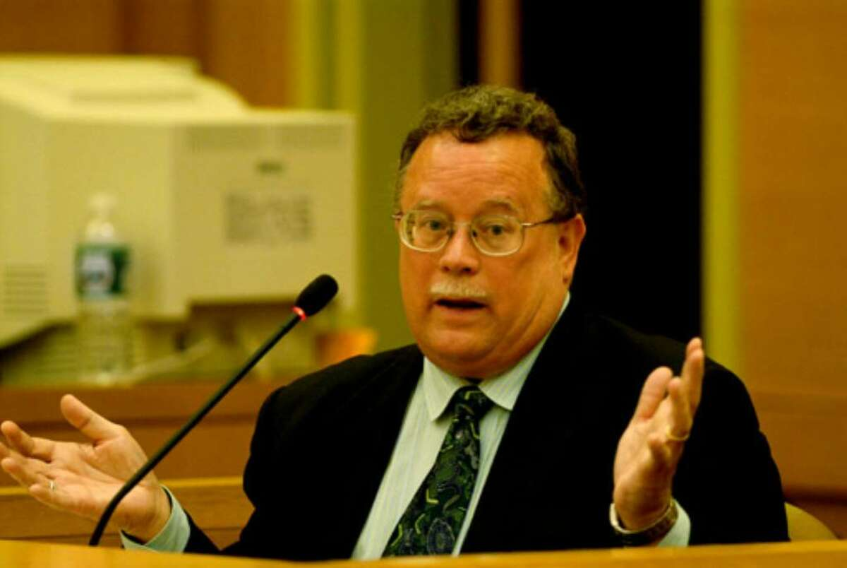 Defense DNA expert Dr. William M. Shields testifies during Christopher Porco's trial on Thursday, August 3, 2006.
