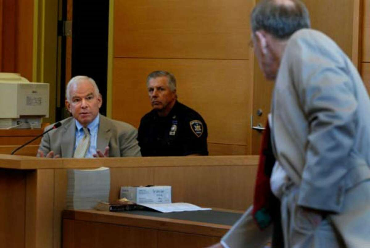 Defense witness Richard Hanft, left, is questioned by Terence Kindlon during the proceedings on Tuesday August 8, 2006.