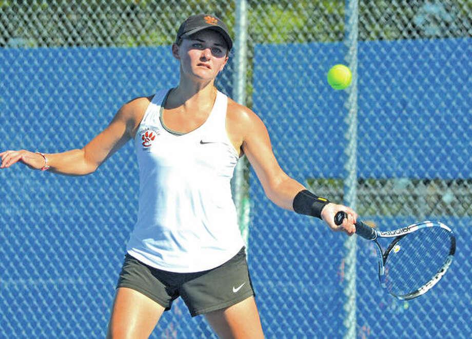 Edwardsville senior Abby Cimarolli earned All-SWC honors in doubles with partner Natalie Karibian. Photo: Scott Marion/Intelligencer