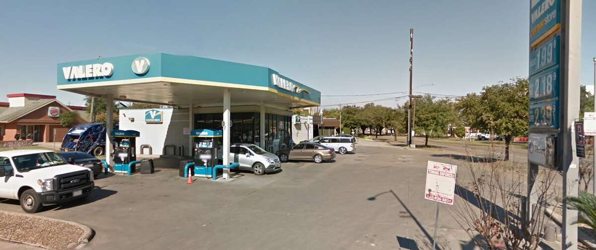 926 Westheimer Rd. Cases with located skimmer: 2
