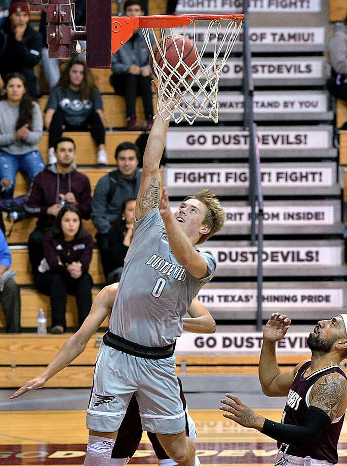 Brent Finn scored a game-high 21 points leading the Dustdevils to a season-opening 67-55 victory over Southwestern Adventist on Tuesday afternoon. Photo: Cuate Santos /Laredo Morning Times / Laredo Morning Times