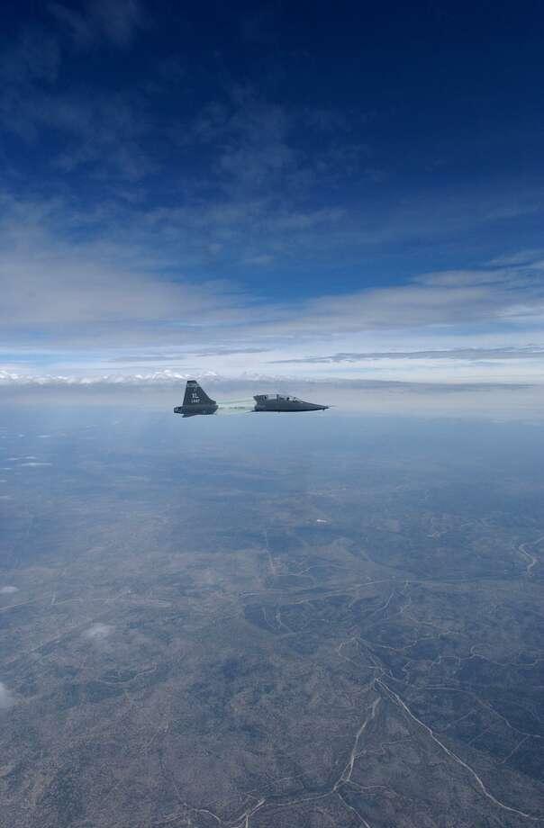 T-38 Talon flies over Del Rio in this file file. Photo: Staff File Photo / SAN ANTONIO EXPRESS-NEWS