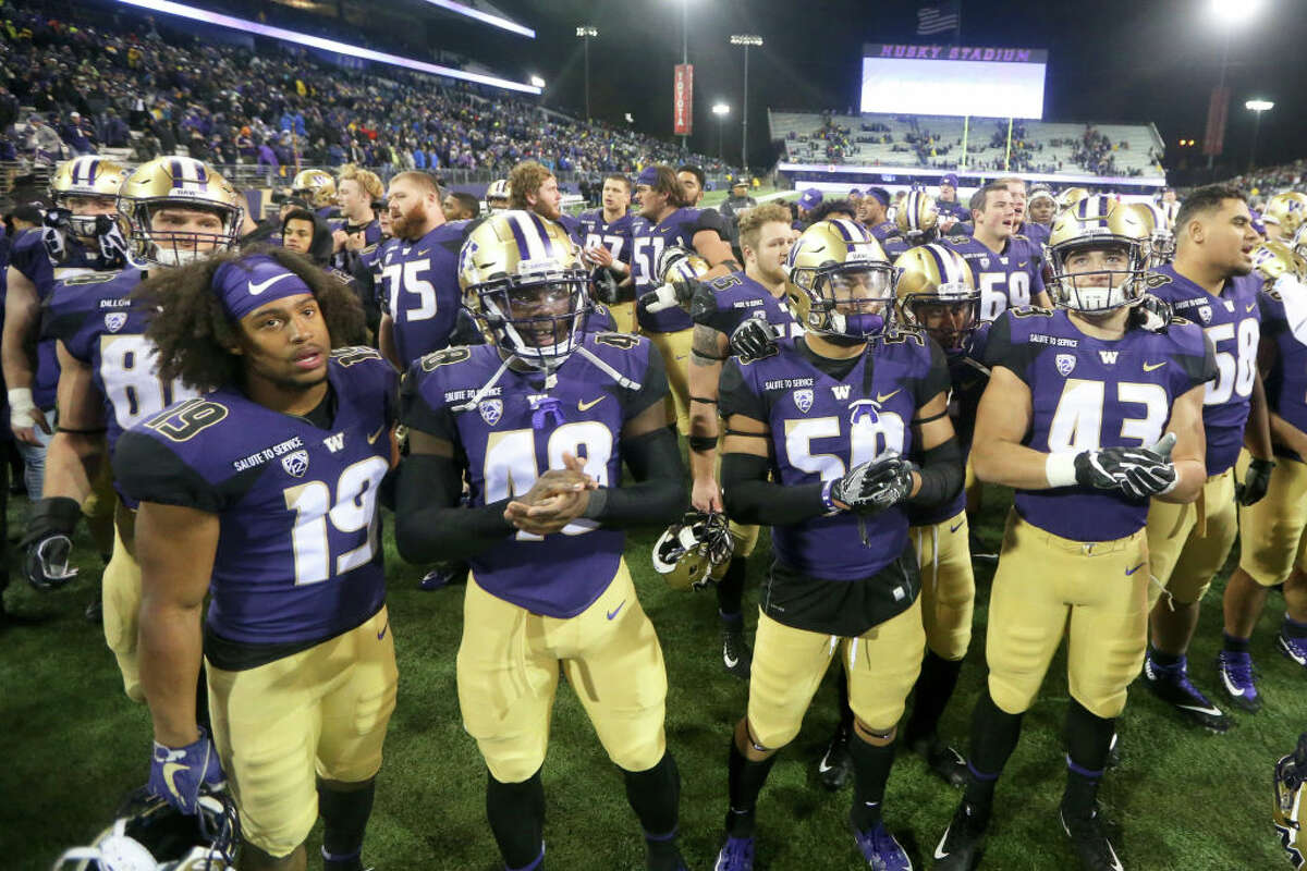 2. Washington Huskies The Dawgs had bye week, but jumped up to No. 18 in the CFP rankings nonetheless. Before this past weekend, they downed Stanford at home. Despite the higher ranking, the Huskies remain an immensely confusing team to watch. The running game looks top-notch with the return of Myles Gaskin, and the defense has (generally) played at a high level all year. On the other hand, quarterback Jake Browning and the passing attack have been mediocre. Browning has struggled to generate scoring through the air, and has failed to eclipse 200 yards passing over the last three contests. Fortunately for the Dawgs, Oregon and Cal (the two Pac-12 foes they've fallen to) are both out of the conference race, leaving the duel for the North division to the Dawgs and Cougs. With what should be an easy win against Oregon State this weekend, the Huskies will have a chance to wreck WSU's season and snatch the division crown from them.