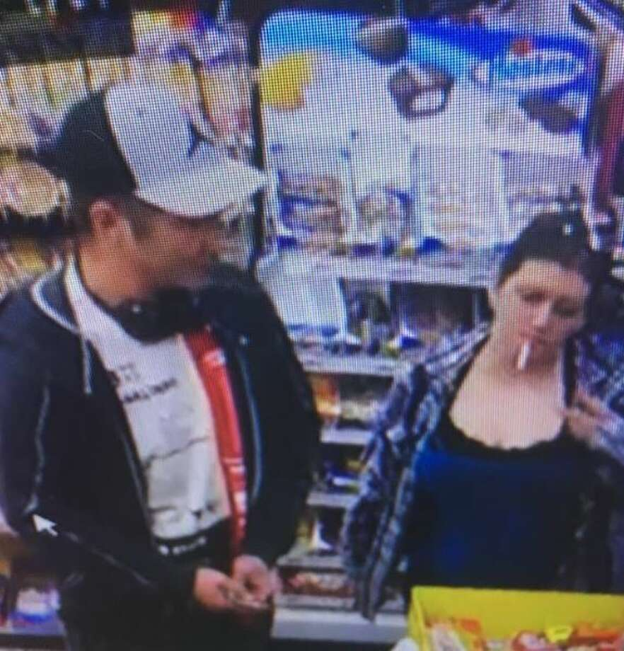 Orange County Sheriff's Office are looking for these two suspects accused of burglarizing a vehicle. Photo: Orange County Sheriff's Office