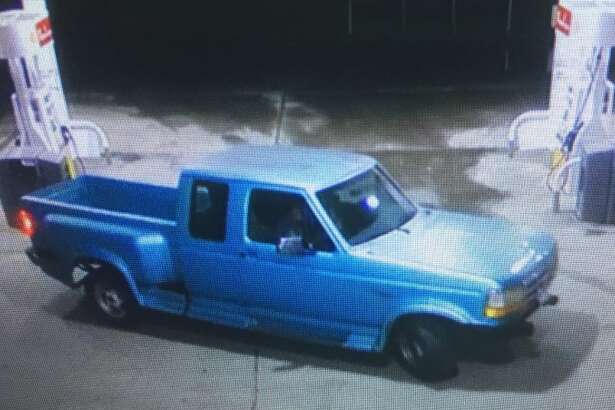 Orange County Sheriff's Office are looking for these two suspects accused of burglarizing a vehicle.