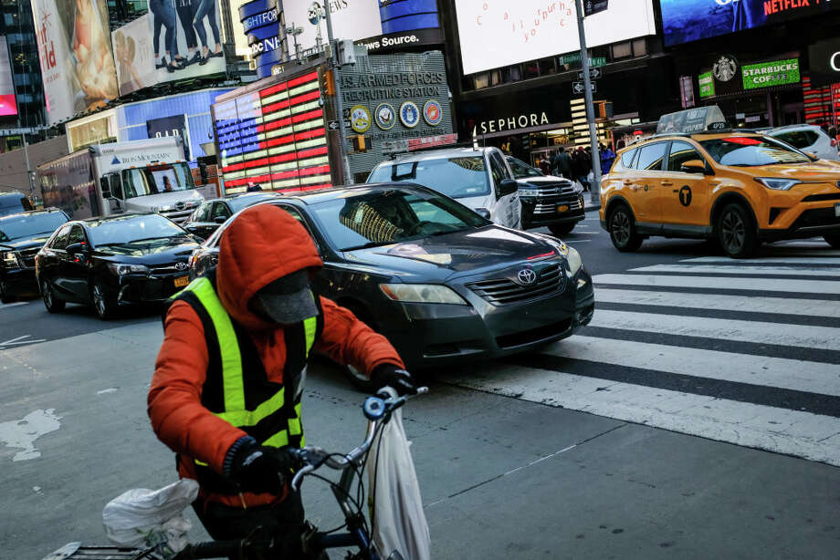 12. New York, New YorkTotal time working: 46.0 hours per weekWorking time: 39.0 hours per weekCommuting time: 7.0 hours per weekPercentage of population leaving for work before 7 a.m. : 22.2 percentMedian household income: $60,879Unemployment rate: 6.4 percent Photo: Getty Images  / 2018 Getty Images