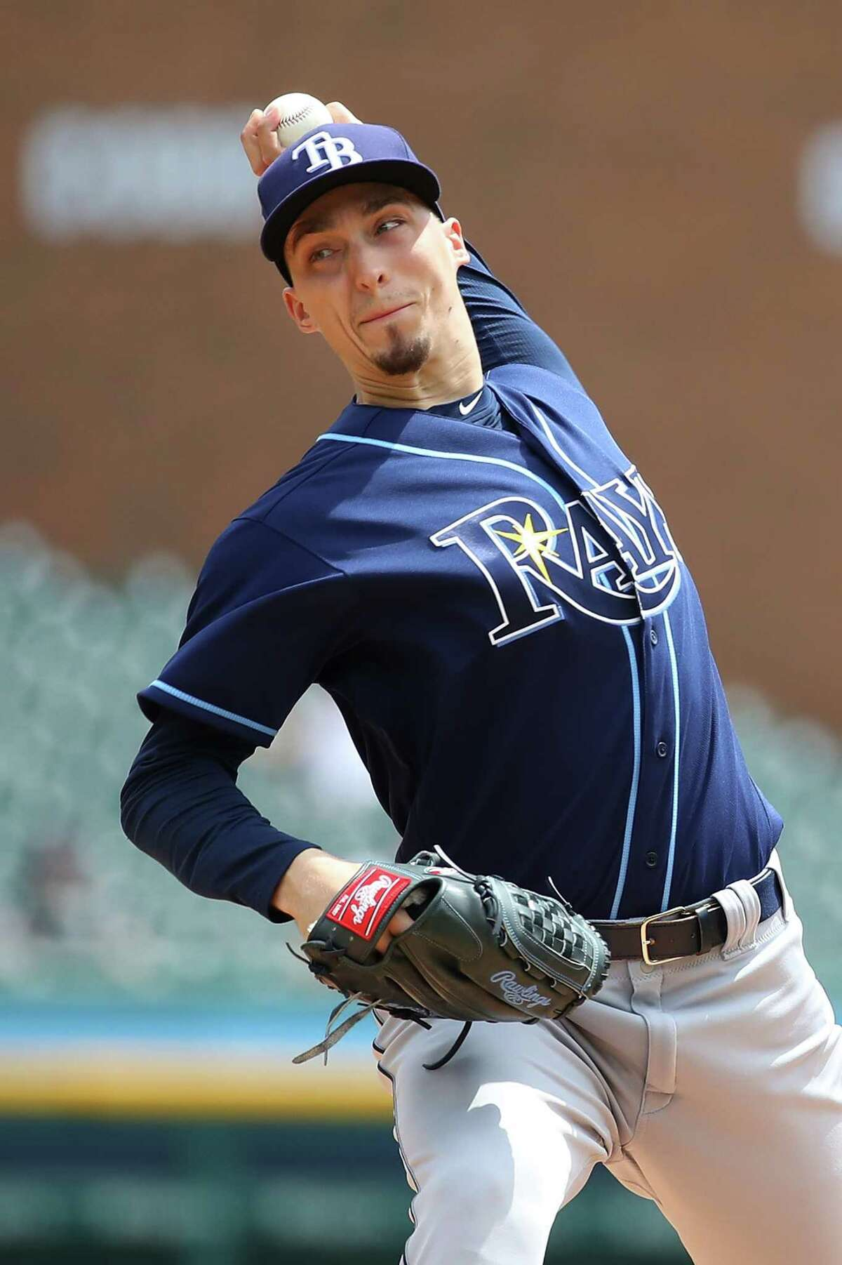 DETROIT, MI - MAY 02: Blake Snell #4 of the Tampa Bay Rays throws a first inning pitch while playing the Detroit Tigers at Comerica Park on May 2, 2018 in Detroit, Michigan. (Photo by Gregory Shamus/Getty Images)