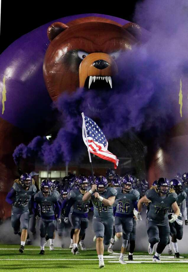 The Montgomery Bears take the field before their football game against Lake Creek Friday, Nov. 9, 2018 in Montgomery, TX. Photo: Michael Wyke, Houston Chronicle / Contributor / © 2018 Houston Chronicle