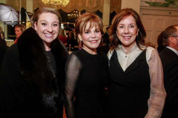 EMBARGOED FOR REPORTER UNTIL NOV. 14 Laura Stein, from left, Hallie Vanderhider and Elizabeth Stein at the Touchdown for TEACH dinner at River Oaks Country Club.