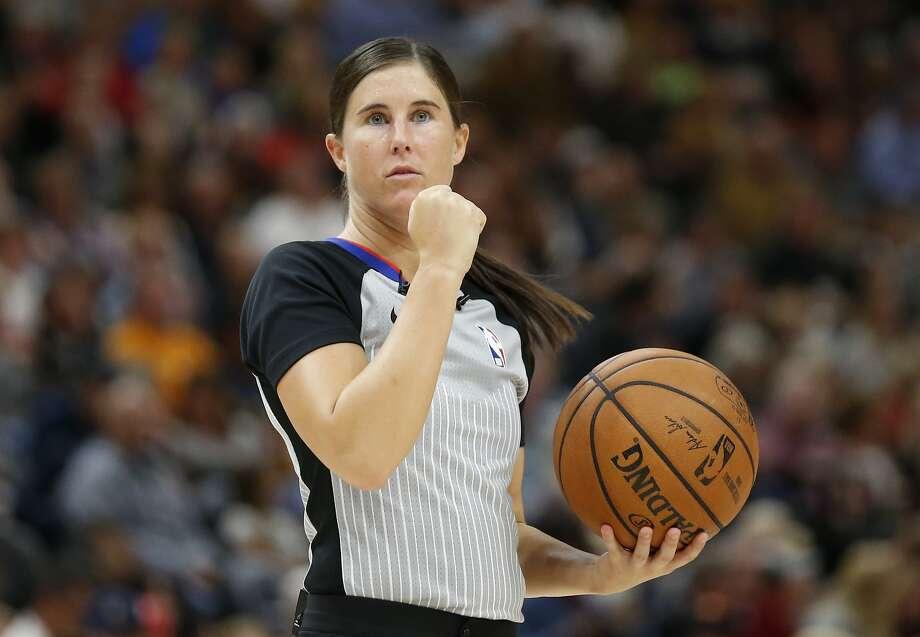 NBA promotes 5 refs, including 2 women, to full-time status